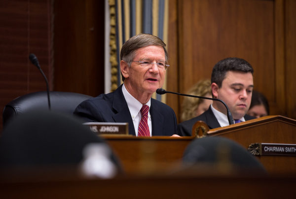 Lamar Smith Says Russians Are Plotting To Hack US Fracking Industry
