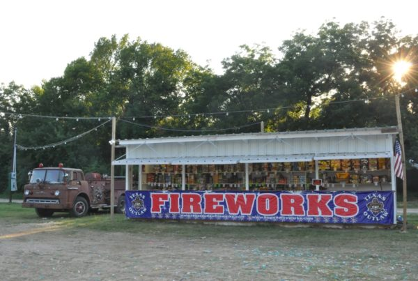 What It's Like To Run A Seasonal Fireworks Stand In Texas
