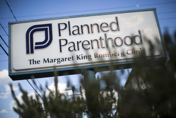 Greg Abbott Wants Lawmakers To Bar Local Contracts For Planned Parenthood In Special Session