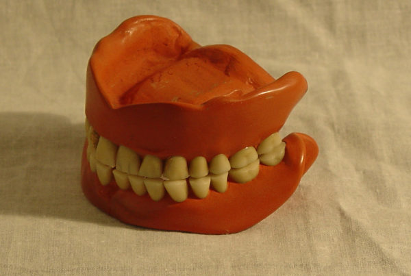 How 3D Printers Could Solve The State Prison Denture Problem