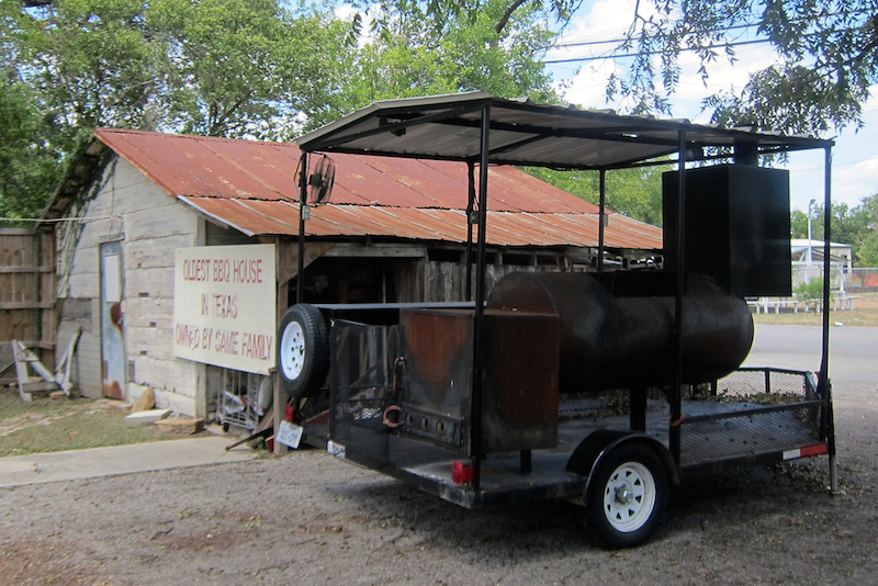 Is It Legal To Tow A Smoking Barbecue Pit Down the Road