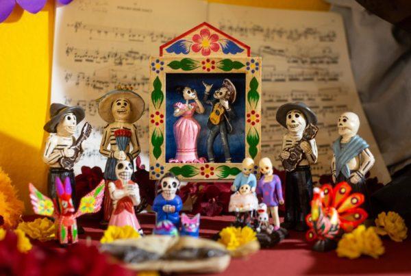 Ofrendas Musicales De Artistas Tejanos Dan Consuelo A Las Familias En Duelo
